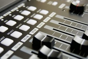 mixing-table-mixing-music-musician-159206-1-1138×493